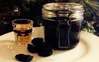 Настойка самогона на черносливе: рецепты приготовления в домашних условиях с добавлением меда и кофе