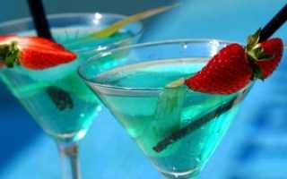 """Коктейль """"Голубая лагуна"""": состав, простые алкогольные и безалкогольные рецепты"""