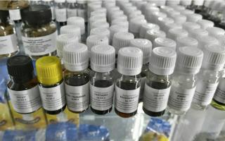 Ароматизаторы для самогона и вкусовые добавки: выбираем эссенцию для алкогольных напитков